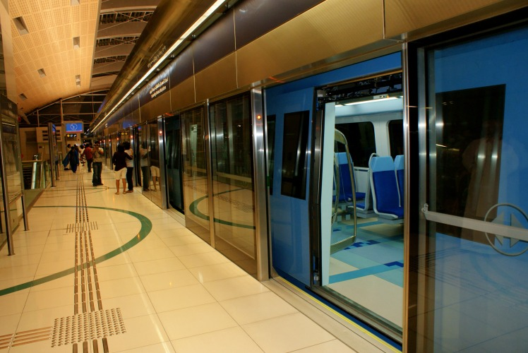 Metro_Dubai_002