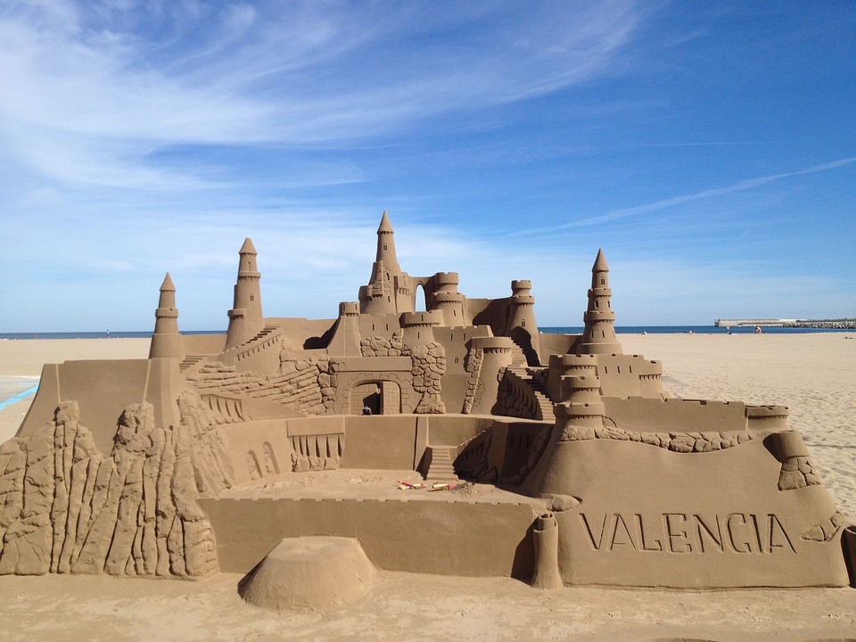 sandcastle-587788_960_720