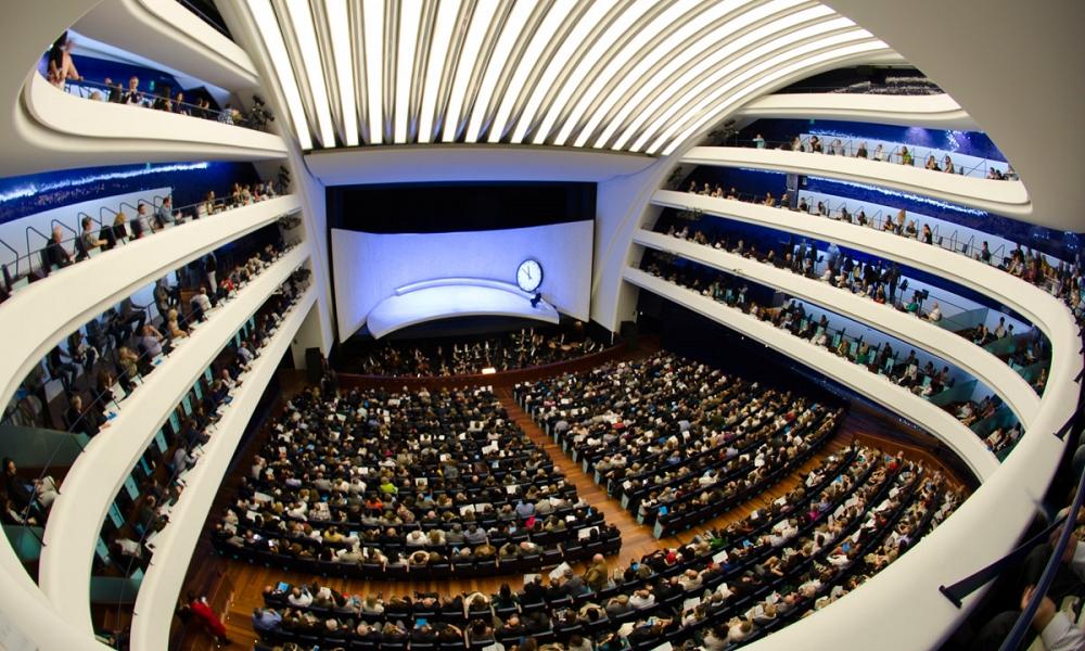 valencia-premium-opera-house-main-auditorium-performance